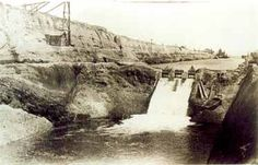 The history of the Corinth Canal by: iefimerida Corinth Canal, Greek History, Poisonous Plants, Kyoto Japan, Athens Greece, Old Photos, Places Ive Been, The Past, World