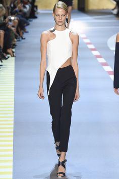 Mugler Spring 2016 Ready-to-Wear Fashion Show - Lexi Boling