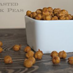 This recipe for roasted chick peas is quick and easy and gives a yummy snacking crunch to this not so typical snack food. Air Fry Recipes, Dog Food Recipes, Snack Recipes, Cooking Recipes, Healthy Recipes, Healthy Food, Vegetarian Recipes, Nut Recipes, Healthy Lunches