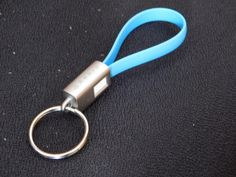 ARKIN ChargeLoop - Schlüsselanhänger USB 2.0 Ladekabel/Datenkabel Micro USB - Flachkabel fürs Smartphone/Handy z.b. Samsung Galaxy Edge, HTC, Huawei, Sony usw. - Mobiles Akkukabel für Schlüsselbund (blau) :: Manu testet und berichtet