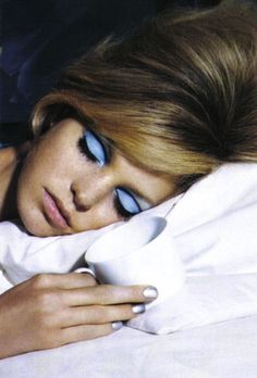 Erin Heatherton by Steve Hiett for Vogue Italia. Big Volume hair and stunning make-up! Eye Makeup, Beauty Makeup, Hair Makeup, Hair Beauty, Makeup Brushes, Makeup Contouring, Makeup Inspo, Makeup Inspiration, Makeup Trends