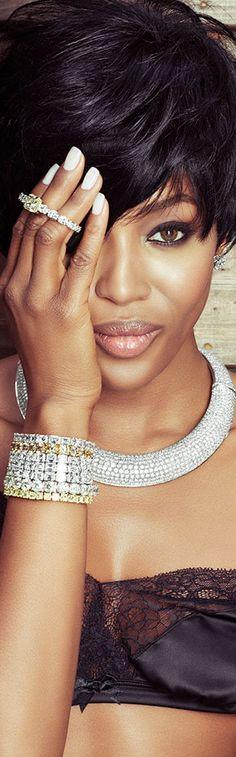 Naomi Campbell - White and Yellow Diamonds MySweetLife-Styled Naomi Campbell, Top Models, Beautiful Black Women, Beautiful People, Modelos Fashion, Corte Y Color, Glamour, Karen, Illuminati