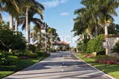 community entryway signs | Adult Community Entrance Stock Photo 11625744 - iStock