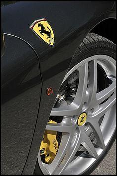 2007 Ferrari F430 Spider   --- Calipers match the badges :D