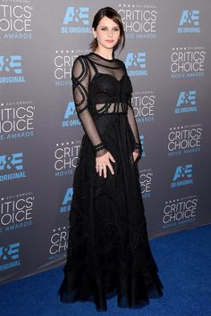 Felicity Jones in a @dolcegabbana Spring 2015 gown at the Critics' Choice Movie Awards. MTC. #CriticsChoice