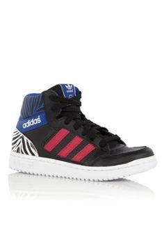 56e018b62413 11 beste afbeeldingen van Sneakers