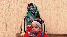 Vídeos Sin Filtros La prisión de las mujeres del Estado Islámico en Libia      Unas 80 mujeres permanecen retenidas en una cárcel de Misrata hasta que las autoridades libias determinen si fueron cómplices de los yihadistas o sus víctimas. http://www.lavanguardia.com/internacional/20170211/414219625337/prision-mujeres-estado-islamico-libia.html?utm_source=Twitter&utm_medium=dlvr.it