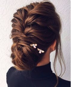 50 most Romantic Hairstyles for the Happiest Moments in Your Life Fantastic! 50 most Romantic Hairstyles for the Happiest Moments in Your Life Fantastic! 50 most Romantic Hairstyles for the Happiest Moments in Your Life Romantic Hairstyles, Chic Hairstyles, Braided Hairstyles Updo, Braided Updo, Pretty Hairstyles, Hairstyle Ideas, Twisted Updo, Hair Ideas, Pixie Hairstyles