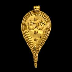 Lot: Roman Gold Pendant, Leaf Shape, c. 2nd-3rd Century A.D., Lot Number: 0057, Starting Bid: $1,200, Auctioneer: Artemission, Auction: Antique Jewellery of the Ancient World, Date: March 22nd, 2017 CET