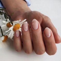 Frensh Nails, Oval Nails, Oval Nail Art, Cut Nails, Daisy Nails, Flower Nails, Daisy Nail Art, Nail Flowers, Pastel Nail Art
