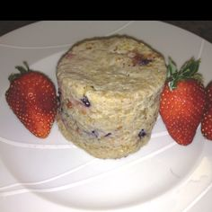 Oatmeal cake in a mug: this turned out pretty good. 1/4 cup quick cook oatmeal, 1 egg, splash of almond milk, handful of berries, vanilla extract and cinnamon. Mix it up in a mug and microwave for 2 minutes.