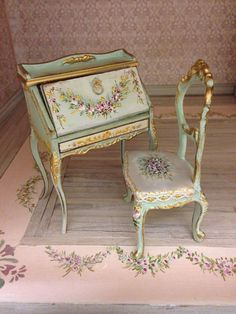 Polychrome wood Bureau, green background antique, decorated with flowers on the top and gilt arabesques. Cover inside and sides decorated with gilded relief arabesques Source by Ankara Nakliyat Hand Painted Furniture, Paint Furniture, Doll Furniture, Dollhouse Furniture, Shabby Chic Furniture, Furniture Makeover, Vintage Furniture, Furniture Design, Décor Antique