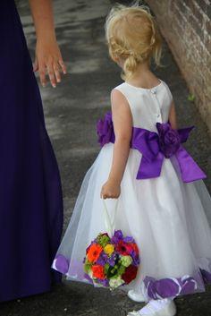 Beautiful Flower Girl's Pomander ignore the purple)