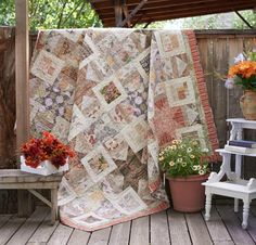 Coats Eclectic Elements by Tim Holtz Fabric & Variable Star Pattern Quilt Kit - White