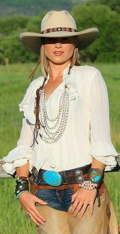 Jo& style boho country gypsy glam beach fashion life organic h Felt Cowboy Hats, Cowgirl Hats, Cowgirl Outfits, Outfits With Hats, Cowgirl Dresses, Cowgirl Clothing, Cowgirl Fashion, Cowboy Girl, Sexy Cowgirl