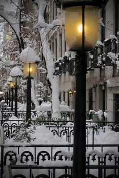 Beautifulness of winter. Snow Lanterns, West Village, New York City photo via lara Winter Szenen, I Love Winter, Winter Magic, Winter Christmas, Winter Night, Christmas Time, Winter Walk, Christmas Feeling, Deep Winter