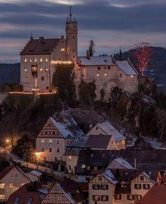 Burg Goßweinstein 🇩🇪 Medieval Gothic, Tudor, Austria, My Dream, Germany, Explore, Mansions, Architecture, House Styles