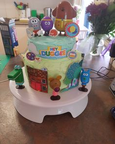 My daughters Hey Duggee cake I made for her First Birthday Parties, 3rd Birthday, Birthday Cakes, Birthday Invitations, First Birthdays, Birthday Ideas, Hattie Mae, Daughters, To My Daughter