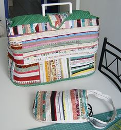 Sewing Machine Cover with pocket for foot pedal and power cord