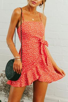 Spaghetti Strap Backless Belt Floral Printed Sleeveless Casual Dresses for summer casual dresses for summer sundresses casual dresses for summer women summer dresses 2019 beach casual dresses casual dresses for summer modest casual dresses for women Cute Casual Outfits, Cute Summer Outfits, Summer Casual Dresses, Cute Vacation Outfits, Summer Sundresses, Summer Clothes, Beach Outfits, Casual Clothes, Cute Dress For Summer