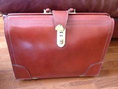 Vintage 1950 briefcase. LOVE!