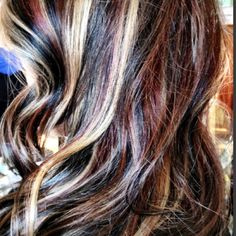 My next hair color? Honey Brown Hair, Brown Hair With Highlights, Colored Highlights, Blonde Highlights, Purple Blonde Hair, Red To Blonde, Dark Hair, Hair Makeup, Makeup Stuff