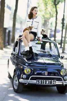 Kate Moss on a Fiat 500, photo by Arthur Elgort for Vogue