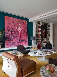 living room, Saarinen tables, dark wall, large art