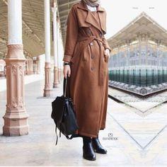 Hijabi traveling style Hijabi traveling style – Just Trendy Girls Islamic Fashion, Muslim Fashion, Modest Fashion, Fashion Dresses, Love Fashion, Fashion Ideas, Fashion Inspiration, Hijab Style, Hijab Chic