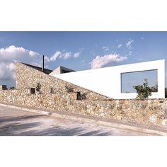 "690 Likes, 4 Comments - UBERKREATIVE (@uberkreative) on Instagram: ""Aliveri Guesthouse by Kokosalaki | Architecture @kokosalaki_architecture Location: Aliveri,…"""