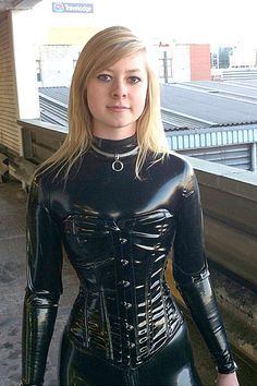 """xkaymorgan: """"Catsuit + high heels = ♥ Please help me out and vote for me in the Simon O. latex model contest >> http://www.latex.at/de/alle-models-voting/?id=141 (I can win a new catsuit!) """""""