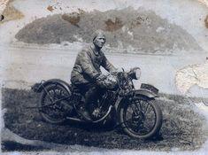 Constante Ceccarelli.... e sua Harley-Davidson em Campinas, SP - Início do Século XX Harley Davidson, Motorcycle, Vehicles, Campinas, Motorcycles, Car, Motorbikes, Choppers, Vehicle
