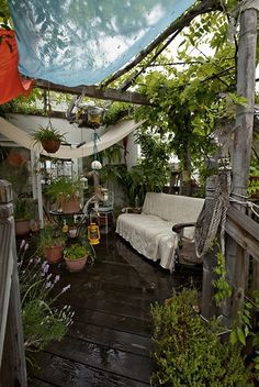 A Bohemian nook. Build a pergola beteen linking rooms.
