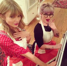 Taylor Swift And Kelly Osbourne Bake Together
