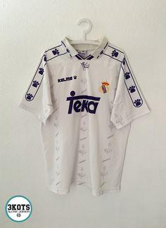 Classic Football Shirts, Vintage Football Shirts, Retro Shirts, Soccer Shirts, Football Uniforms, Football Kits, Football Jerseys, Real Madrid Jacket, Jersey Vintage