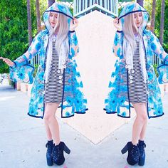 New video and blog post are up! It may be 90 degrees here in LA, but Spring is a time for rain and shine so this quirky floral rain coat is perfect for Spring weather! Coat by @daniellethedressmaker ☔️ : youtube.com/steamfaerie : steamfaerie.blogspot.com