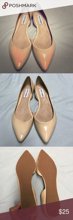 Steve Madden Nude Elusion Flats Reposh Brand New Steve Madden Flats! Never worn, I bought these because they were listed as a Sz 6.5 but they weren't that size when I received! Anyways would love to trade for a 6.5 in same shoe or similar style shoe! Or best offer so I may rebuy! 😊🤝 Steve Madden Shoes Flats & Loafers