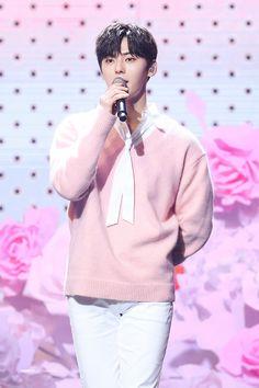 Nu Est Minhyun, Ong Seongwoo, Produce 101 Season 2, Kim Jaehwan, Ha Sungwoon, Jinyoung, South Korean Boy Band, Boy Bands, Rapper