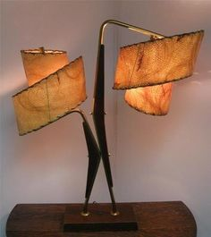 1950s Atomic Age/Mid-Century Modern/Space Age table lamp by Majestic.