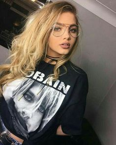"""Sophia Mitchell """"Taking Kurt to watch belfast fashion week"""" Cute Glasses, Girls With Glasses, Sophia Mitchell, Lunette Style, Chica Cool, Ombre Highlights, Rocker, Tumblr Girls, Mode Style"""