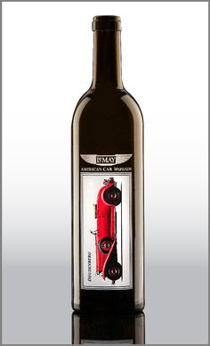PHOTOGRAPHIC LOOK  Print detailed pictures perfectly on a bottle. Note: This process is not suitable for all designs. It must be reviewed by the experienced team at Universal.