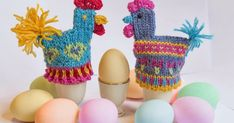 Designs by Cecilie Kaurin and Linn Bryhn Jacobsen Crochet Birds, Crochet Dolls, Knit Crochet, Crochet Hats, Hens And Chicks, Tea Cozy, Sugar Art, Easter Crafts, Christmas Stockings