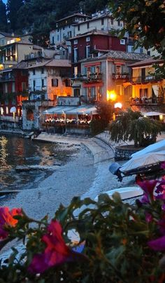 Beautiful Varenna on Lake Como in Lombardy, Italy • photo: Catherine Caldwell on Jet Vignettes
