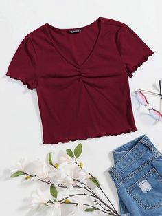 Cute Girl Outfits, Cute Casual Outfits, Stylish Outfits, Stylish Girl, Girls Fashion Clothes, Teen Fashion Outfits, Rainbow Outfit, Aesthetic Shirts, Crop Top Outfits