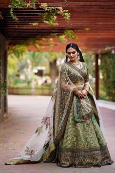 Looking for Bridal Lehenga for your wedding ? Dulhaniyaa curated the list of Best Bridal Wear Store with variety of Bridal Lehenga with their prices Lehenga Color Combinations, Green Lehenga, Designer Bridal Lehenga, Indian Bridal Outfits, Indian Dresses, Lehenga Collection, Lehenga Designs, Bridal Looks, Wedding Dress