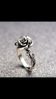 More from my Pcs/set Sweet Two Swan Heart Zirconia Engagement Wedding Rings Unique Gift for Women GirlsSweet Flower Silver Rings Elegant Carved Rose Flower RingsValentine Special Sweetheart Promise Ring, Green & Blue. Rose Jewelry, Jewelry Rings, Jewelry Box, Silver Jewelry, Silver Rings, Jewlery, Jewelry Armoire, Gold Jewellery, Jewelry Ideas