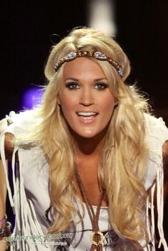 Carrie Underwood - CMA Fest 2013 where is she getting these fab headbands!?