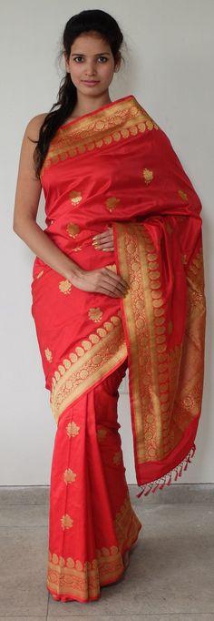 Kadhwa banarasi saree in lovely bridal finery of red and gold. - WeaverStory.com