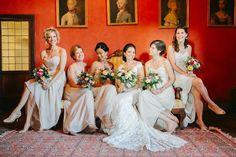 Bride and bridesmaid photo session #castlewedding #italywedding #gettingmarried #weddinginitaly #bridesmaids #weddingparty #bebeautiful