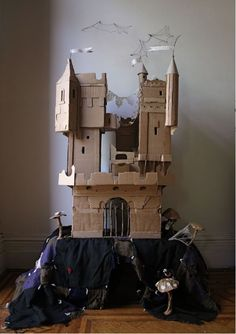 cardboard castle - what a fun rainy day activity for kids!